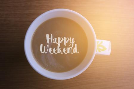Gelukkig weekend woord op een kopje koffie