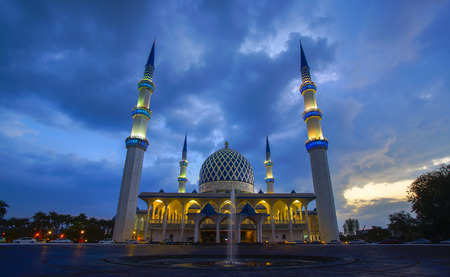 Sunset of Masjid Negeri Shah Alam or well known officially as Mosque of Sultan Salahuddin Abdul Aziz Shah
