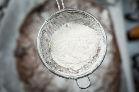 gingerbread cookies: Making gingerbread cristmas cookies