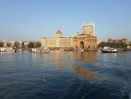 Mumbai kulaba taj hotel beach boat ocean morning beach