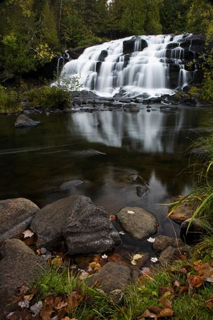 Michigan Upper Peninsula Waterfall In AutumnBond Falls on the Ontonagon RiverPaulding, Michigan Stok Fotoğraf
