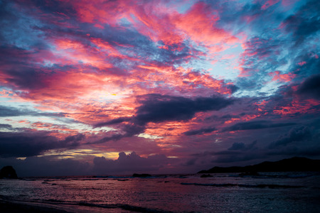 wheater: Sunset seascape with dramatic sky and colorful clouds