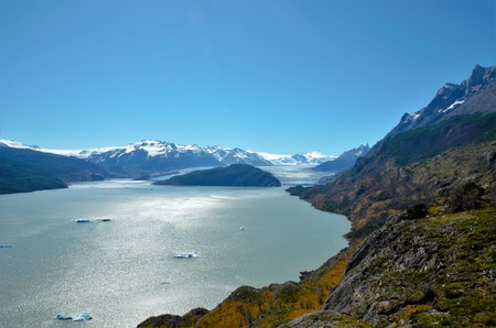 torres del paine: GREY LAKE, Torres del Paine NATIONAL PARK, CHILE - FEBRUARY 5, 2016: Sign Lago Grey viewpoint for the Grey glacier
