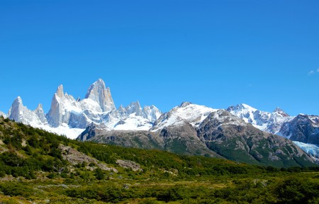 roy: Panoramic view of the Fitz Roy mountain range in El Chalta  n in Argentina
