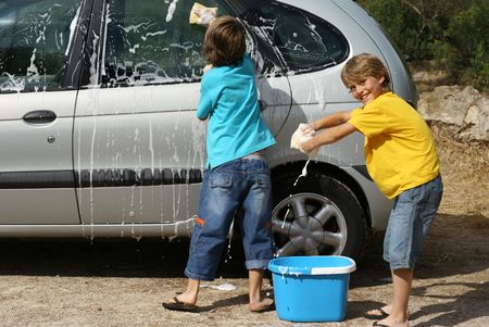 kids washing car photo