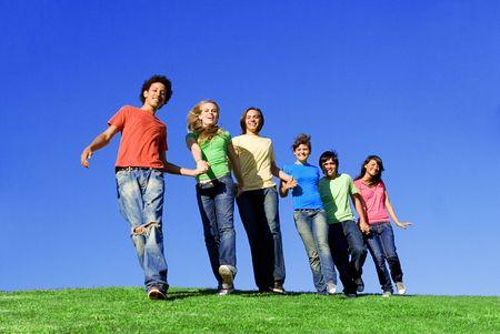 diversidad cultural: diverso, grupo de la juventud sonriente feliz Foto de archivo