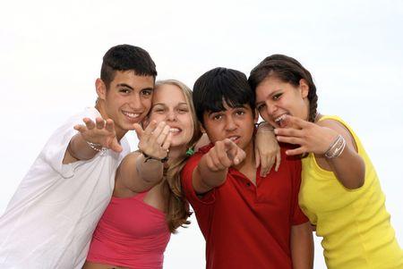 interracial: verschiedene Gruppe gl�ckliche Jugendliche