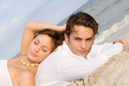 couple amoureux: �pris de couple en vacances