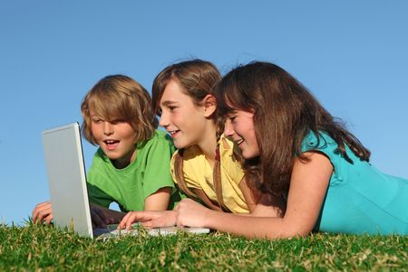 tweens: kids with laptop