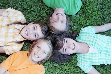 preadolescentes: grupo de ni�os Foto de archivo