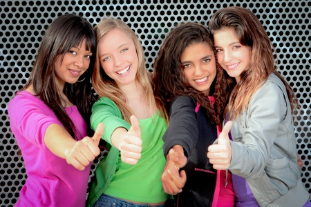 girl friends: teens girls