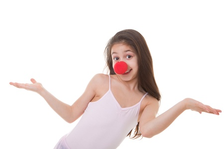 nez de clown: enfant heureux ou enfant avec le nez rouge de clown