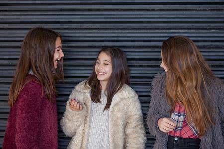risa, grupo de chicas jóvenes de risa