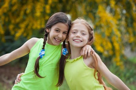 divers enfants heureux sourire, au camp d'été