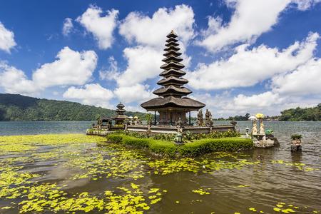 bratan: Lake Bratan, Pura Ulun Danu Bratan temple