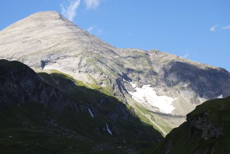 Mountain view in Austria at the Grossglockner Hochalpenstrasse (high alpine road). Stock Photo - 7791580