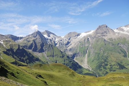 Mountain view in Austria at the Grossglockner Hochalpenstrasse (high alpine road). Stock Photo - 7916032