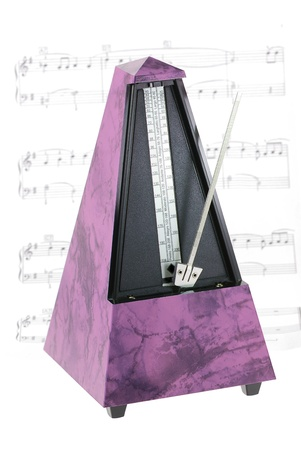 metronome: Metronomo musica isolata on white Archivio Fotografico