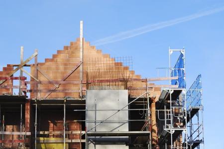 befejezetlen: Téglafal egy befejezetlen épület