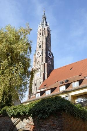 clinker: Chiesa di S. Martino a Landshut, che ha la pi� alta torre di clinker del mondo Archivio Fotografico