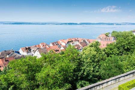 독일의 Bodensee (호수 콘 스턴스)에서 Meersburg시를 들여다 봅니다.