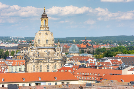 Aerial view over Dresden and the Frauenkirche cathedral Standard-Bild