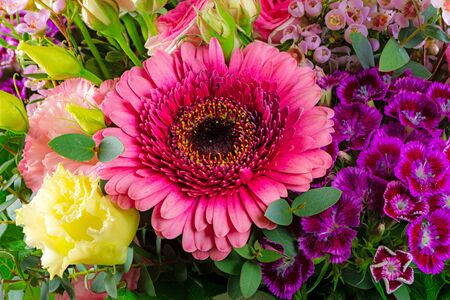Beautiful flower bouquet with pink gerbera blossom Stockfoto