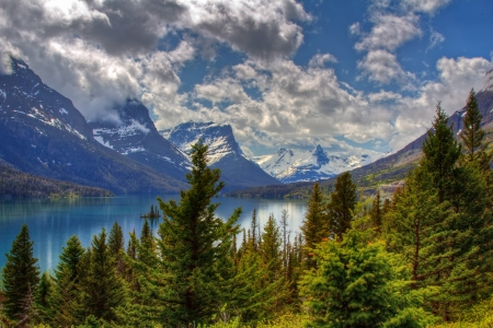 St Mary lake in Glacier National Park in USA Stock Photo