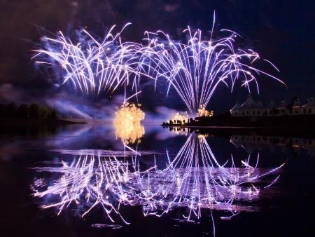 Winning Fireworks by USA in Globalfest Fireworks Festival 2012, Calgary, Alberta, Canada Stock Photo - 16347911