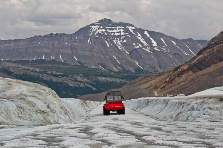 icefield: columbia icefield - athabasca glacier, jasper national park, Canada