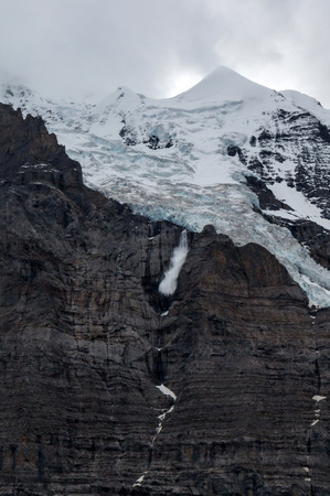 avalanche: An avalanche in Swiss Alps