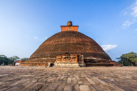 sri: The Jetavanaramaya is a stupa, located in the ruins of Jetavana Monastery in the sacred