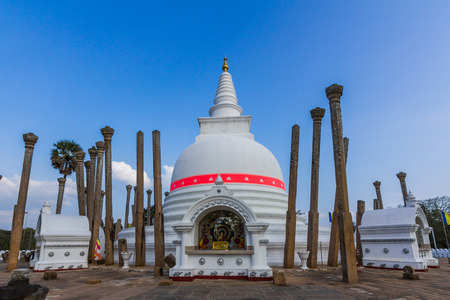 dagoba: Thuparamaya is a dagoba in Anuradhapura, Sri Lanka. It is a Buddhist sacred place of veneration. Stock Photo