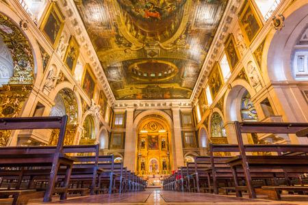 리스본, 포르투갈에서 상 로크 교회의 내부. 그것은 최초의 예수회 포르투갈 세계 교회, 어디서나 최초의 예수회 교회 중 하나였다.