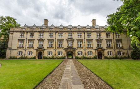 cambridge: Christs College is a constituent college of the University of Cambridge, officially comprising the Master and Fellows of the College as well as about 600 students.
