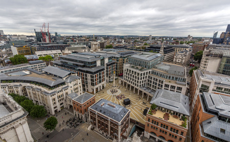 stock vista: View of Paternoster Square and London Stock Exchange from the top of St. Pauls cathedral in London, UK