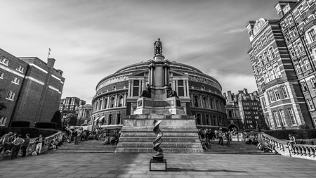 queen's theatre: Royal Albert Hall. It is a concert hall on the northern edge of South Kensington, London, best known for holding the Proms concerts annually each summer since 1941.