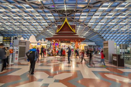 tiendas libres de impuestos en el aeropuerto de Bangkok Internacional de Suvarnabhumi