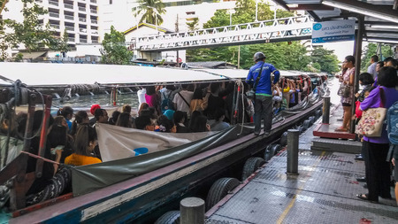 klong: The Khlong Saen Saep Express Boat service in Bangkok, Thailand. It serves over 60,000 passengers daily. Editorial