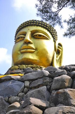 The Yunwha Mountain Wowoojongsa Temple, South Korea Stock Photo - 14219810