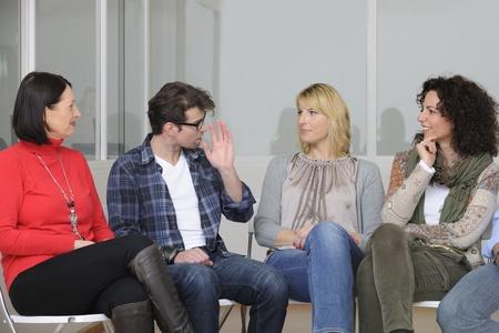 terapia de grupo: trabajo en equipo, grupo de discusi�n o terapia
