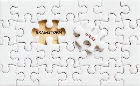 comit� d entreprise: Remue-m�ninges et id�es mots sur puzzle fond, concept d'entreprise