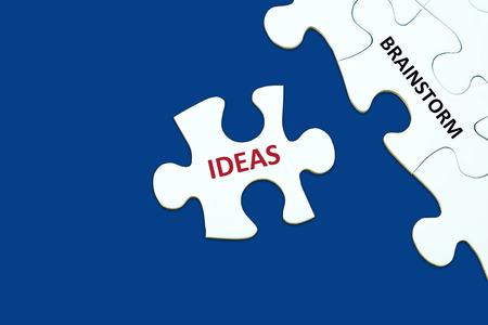 comité d entreprise: Remue-méninges et idées mots sur puzzle fond, concept d'entreprise