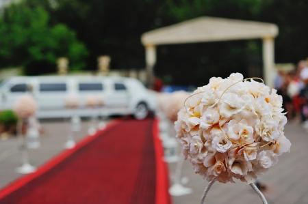 レッド カーペット、リムジンによる結婚披露宴