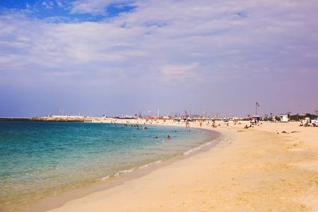 エミレーツ航空の夏。ジュメイラ ・ ビーチ。アラブ首長国連邦での素晴らしいバカンス。