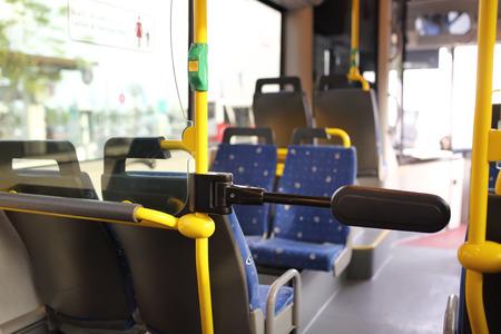 Route bus in Dubai. 版權商用圖片