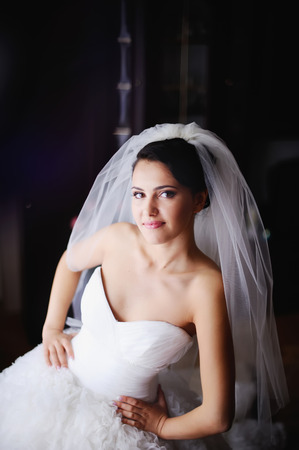 marriageable: Young  bride in the morning at home.