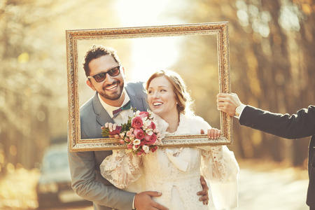 Happy groom and bride together. Couple on wedding day. Banque d'images