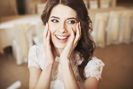 happy wedding: Beautiful bride smiling. Wedding portrait of fiance.