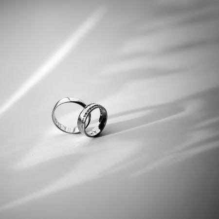 platinum: Wedding rings platinum in black and white.